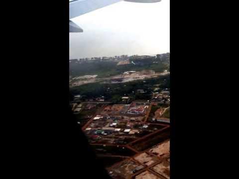 Aterrissage à l'Aéroport de Libreville/Airport landing, Gabon (Air France)