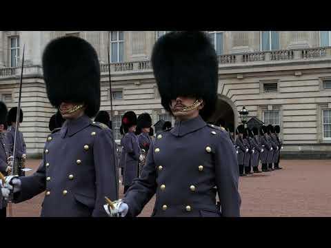 Guard Changing at Buckingham Palace (29th November 2017) 2