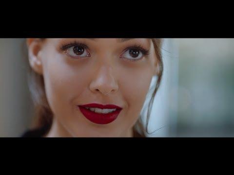 Dilan Çiçek Deniz ile Avon Mükemmel Mat Ruj |TV Reklam Filmi