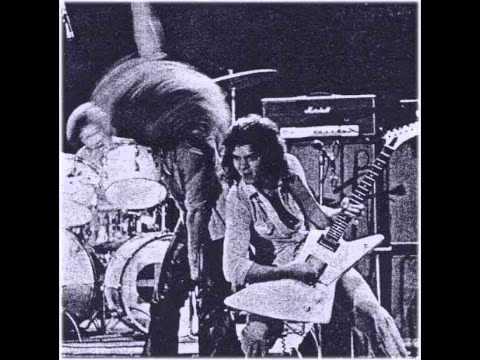 Van Halen ..Somebody Get Me A Doctor  ..bootleg recording..1977