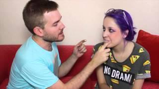 Javier Ruescas te enseña a maquillarte como Effie Trinket | LasPalabrasDeFa