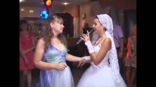 Невеста поет трогательную песню маме. Без слез невозможно слушать!