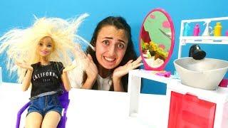 Barbie Sevcan'ın güzellik salonunda. Barbie'nin saçları kabarıyor!