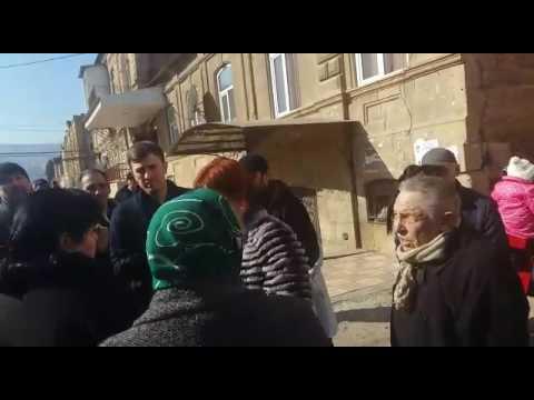 Собрание на улице Ленина в Дербенте