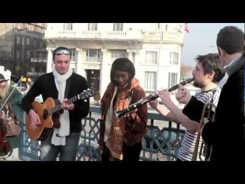 Oi Va Voi - Dusty Road (Galata Bridge / Istanbul)