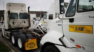 J.B. Hunt misses EPS estimates, shares up on strong revenues