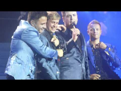 Download lagu Mp3 Westlife @ O2 Arena - Ain't That A Kick In The Head (07/06/2012) online