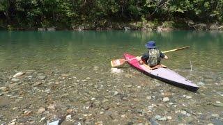 先週ソロストーブキャンプに行った川にカヌー遊びに行って、ラーメンを...