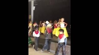 5 de Mayo dance Flying Hills Elementary