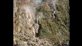 Путешествие по России. Поездка на Камчатку. Долина гейзеров. Kamchatka. Geysers.(Путешествие по России. Поездка на Камчатку. Долина гейзеров.Kamchatka. Valley of Geysers - http://youtu.be/fpV1251YdoY Видео путешест..., 2009-05-19T06:29:00.000Z)