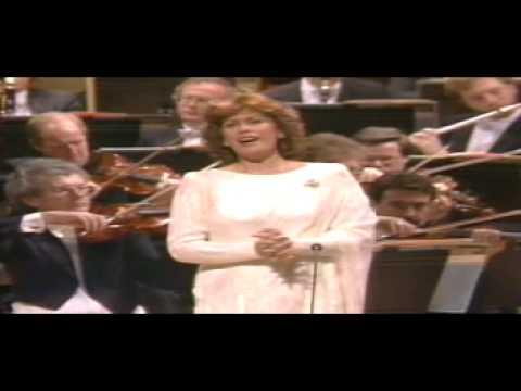 "Dame Kiri Te Kanawa sings ""Summertime"" - ""Porgy and Bess"""