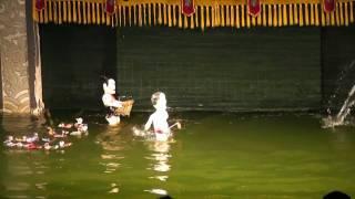 ハノイで見ることができるベトナムの水上人形劇です。 このパートでは「...
