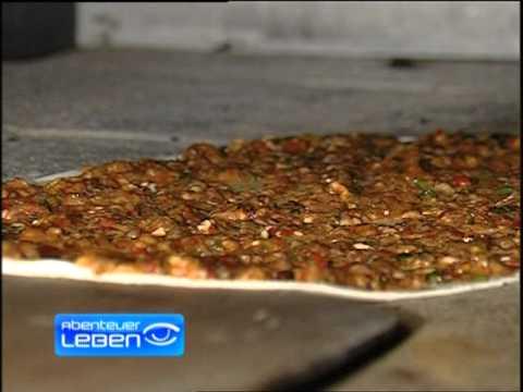 Lahmacun (Türkische Pizza)Herten Einhaus Fabrik Kallavi.de Osmanli Lahmacunu Teil2.mpg