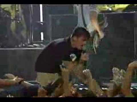 New Found Glory - My friends over you - Hard rock live