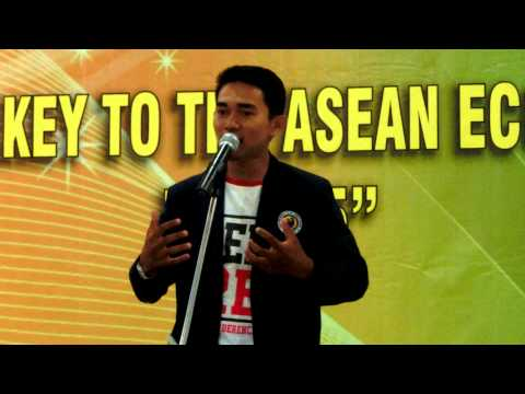 Lomba Pidato 2 Bahasa di Universitas Riau Kepulauan Batam part 1