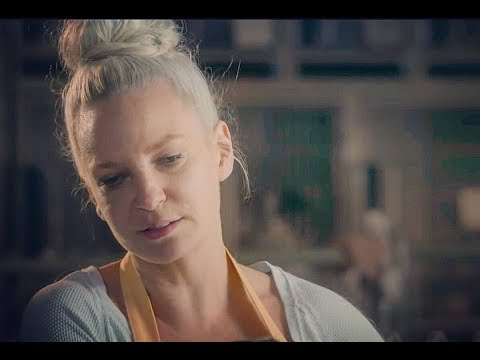 Sia Furler - Annie Movie (2014) + Mini Behind The Scenes