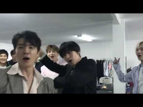 180406 EXO on It Live Waiting Room Relay in Dubai