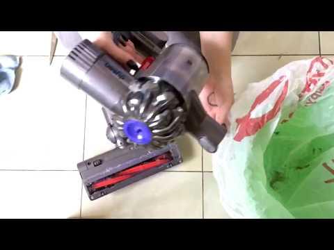 Видео как чистить пылесос дайсон v7