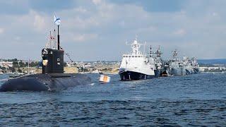 ВМФ россии, военные корабли стоят в ряд, смотреть корабль, большие корабли, подлодки россии
