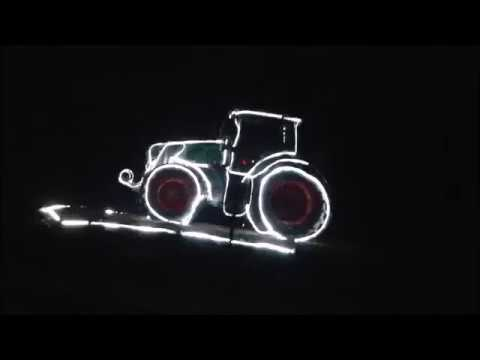 weihnachtsbeleuchtung f r traktorfans traktor weihnachten beleuchtung youtube. Black Bedroom Furniture Sets. Home Design Ideas