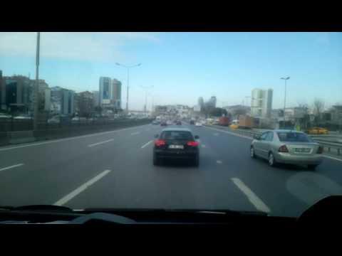 Kocaeli 112 Ambulans Ekibi İstanbul Trafiğinde Acil Vaka