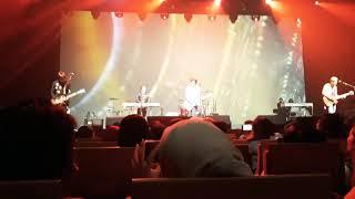 Baixar Sambutlah Kasih (Afiez Cover) - Akim & the Majistret Live in SG