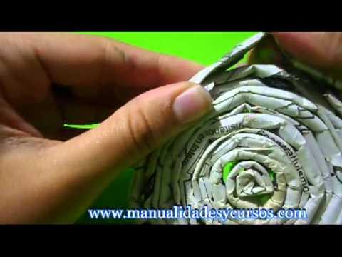 Como hacer colgante con papel de diario y flores en goma eva youtube - Hacer cestas con papel de periodico ...