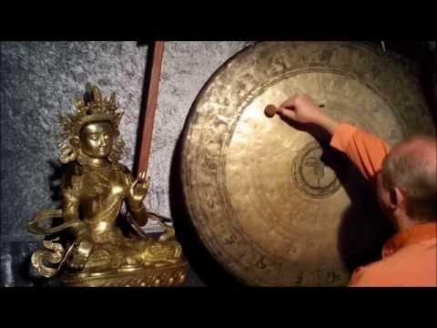 Gong bath for yoga meditation / gong names Chinuri