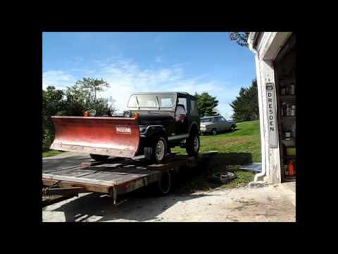Unloading the new old Jeep, 1983 CJ7