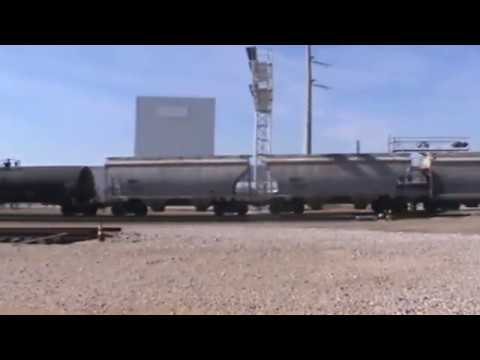 BNSF General Freight arrival Tulsa, OK 11/5/2016 vid 4 of 7