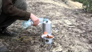 Najlepszy czajnik turysty Survival Kettle - jak to działa (w terenie)
