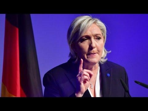 Le Pen rechaza velo, cancela reunión