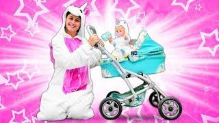 Vidéo drôle. La famille de licornes : journée de bébé born