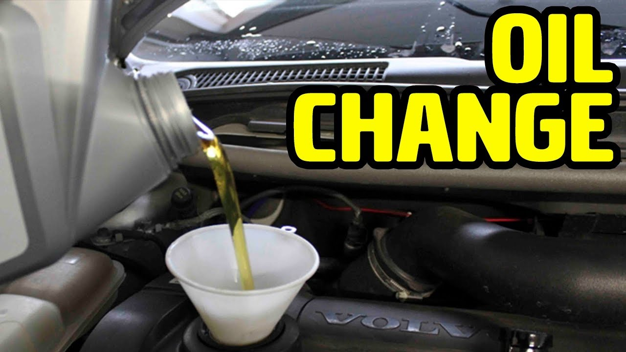 Volvo V50, T5 Oil Change - YouTube