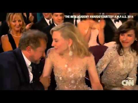 Óscar 2014 Brad Pitt y la pizza el error de John Travolta y las fotos detrás de cámaras en Español U
