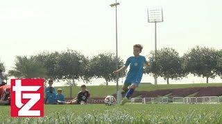 Manuel Neuer im Elferduell mit Kids aus Katar - FC Bayern in Doha 2015