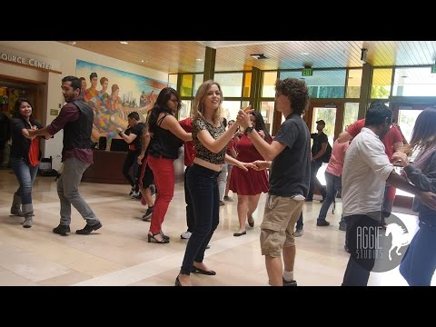 Baile De Fuego Flash Mob - Spring