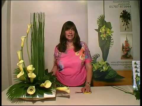Contemporary Flower Arranging Lesson - Hedging