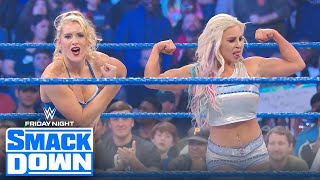 Lacey Evans and Dana Brooke pin Sasha Banks to win triple threat | FRIDAY NIGHT SMACKDOWN