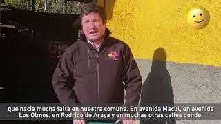 Alcalde Gonzalo Montoya hace entrega de nuevos basureros para la comuna.