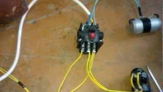 Подключение электро двигателя 380в к сети 220в.(Ребята я с электрикой не очень дружу, эту схему мне на рынке продавцы крупарушок подсказали и там же всё..., 2013-01-09T18:03:53.000Z)