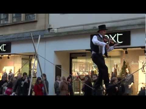 Playing the violin on a rope