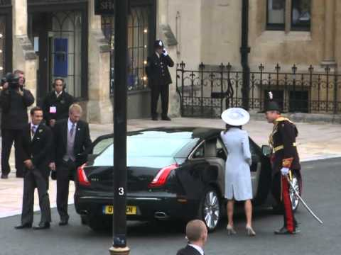 Kate Middleton's mother arrives at Westminster Abbey