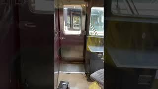 JR四国 切り離し作業 宇多津駅にて 車内から撮影