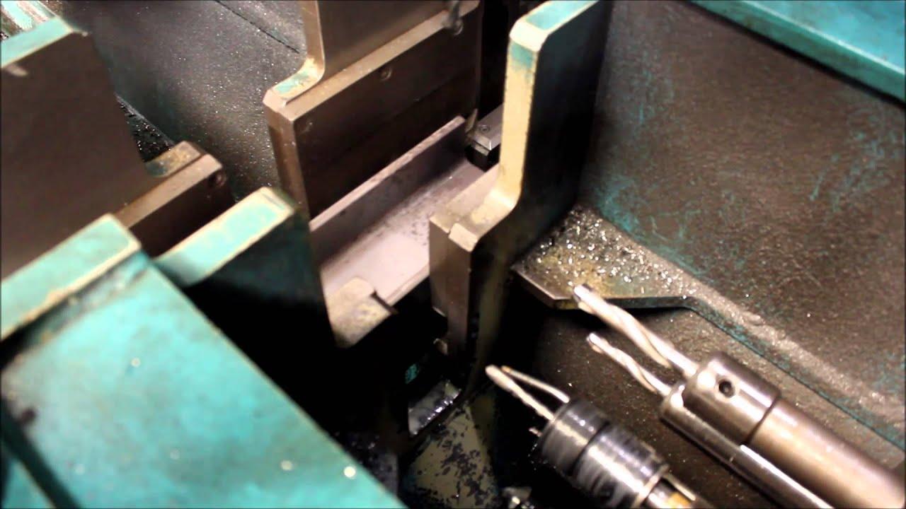 Bekannt Stahlträger bohren, senken und Gewinde schneiden - YouTube MI63