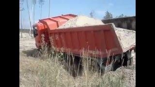 ЭКСТРИМ ВЫГРУЗКА ВСЕМ СМОТРЕТЬ Scania  ледь не перевернулся Песок Белогородка  доставка песка(Песок Белогородка ЭКСТРИМ ВЫГРУЗКА ВСЕМ СМОТРЕТЬ доставка песка Белогородка 0968377664 , 0936475629 , http://www.modusperevozka.co..., 2016-05-05T20:45:45.000Z)