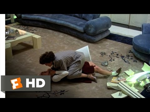 Mommie Dearest (7/9) Movie CLIP - Christina