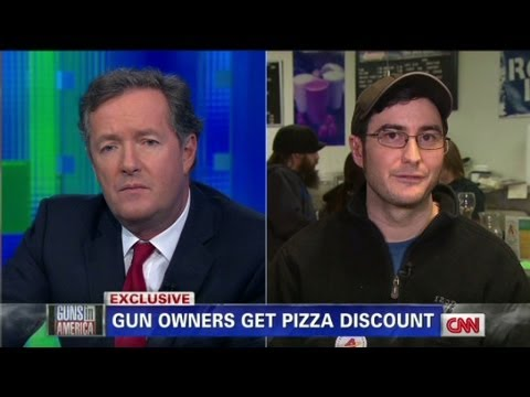 Pizza shop offers discounts for customers with guns