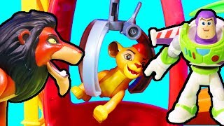 Download Disney The Lion King Scar Captures Kion In Claw | Simba Toy Story Vacation | Benson Chases Scar Mp3 and Videos