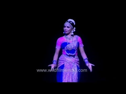 Bharatnatyam dance from Malaysia - Indian culture is global!